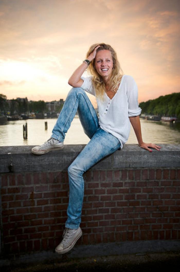 (TWENTELIFE) Leonie ter Braak werkt bij de Champions ...